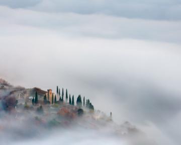 Caneva-Castello-con-nebbia